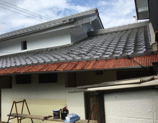 滋賀県草津市のトタン塗装作業【ご依頼】